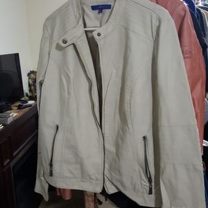White leather coat by Apt. 9